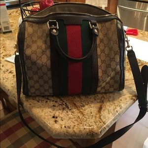 Authentic Gucci with long strap included.